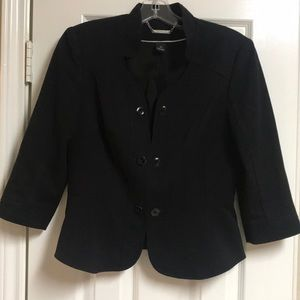 Black 3/4 sleeve jacket.